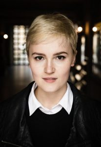 Veronica Roth, author of Divergent. Click to find 5 more aweomse sci fi books with strong female leads.